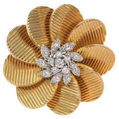 French Retro Gold and Diamond Stylized Flower Brooch of Radial Design