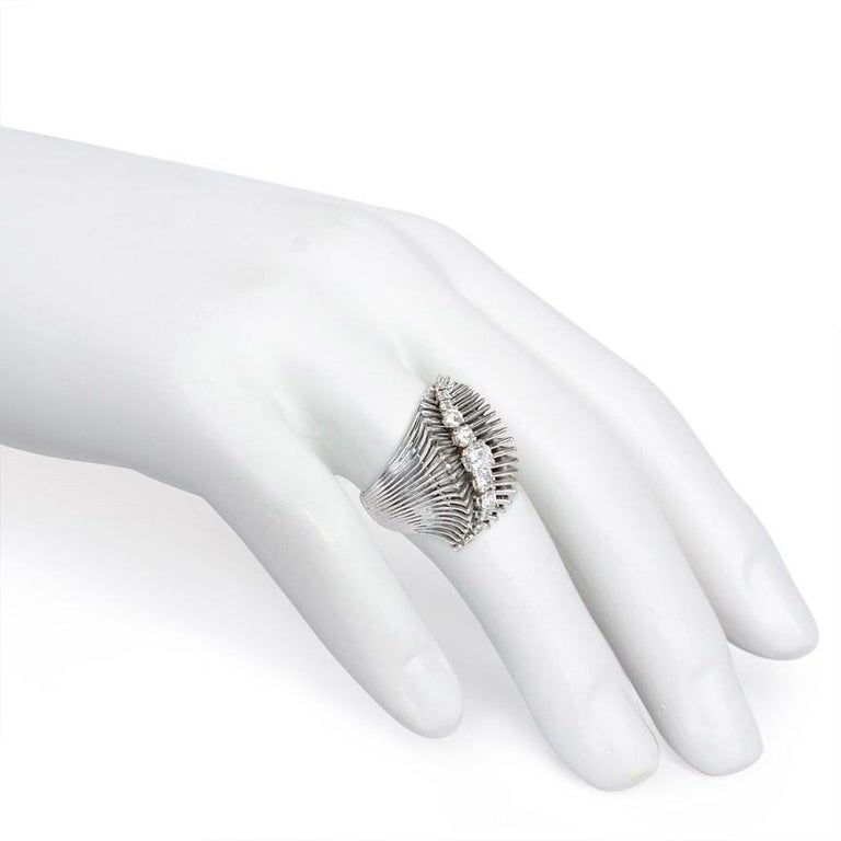 French Retro White Gold and Diamond Ring of Flared and Swirl Design In Good Condition For Sale In New York, NY
