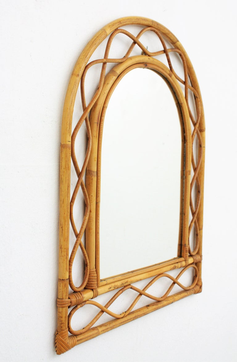 French Riviera Midcentury Semi Oval Bamboo and Rattan Mirror In Excellent Condition For Sale In Barcelona, ES