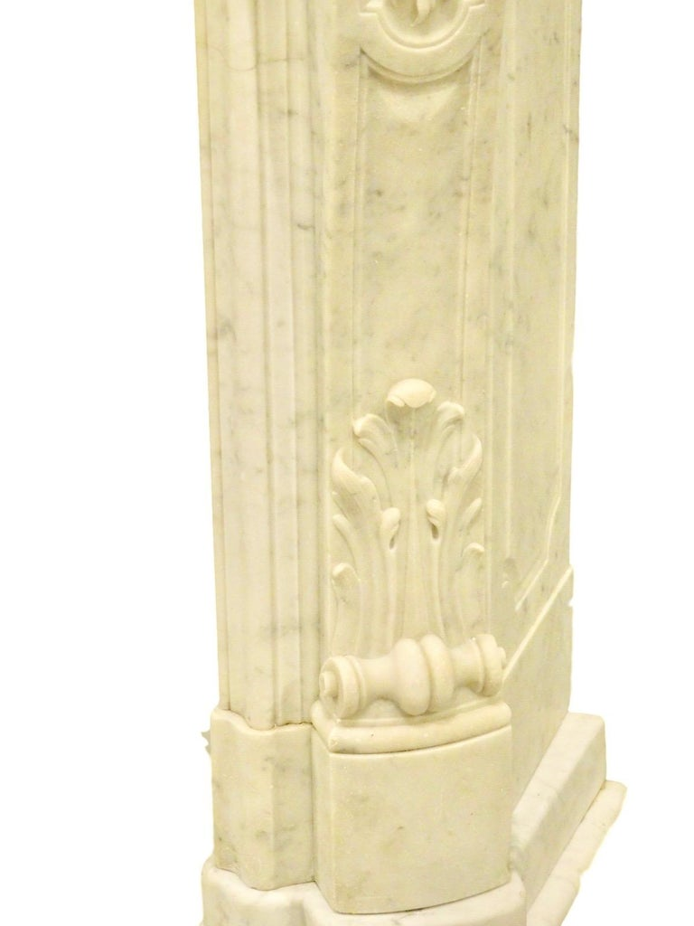 French Rococo Louis XV Marble Fireplace Mantel For Sale 2