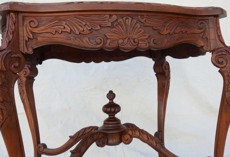 French Rococo Marble-Top Walnut Table For Sale 1