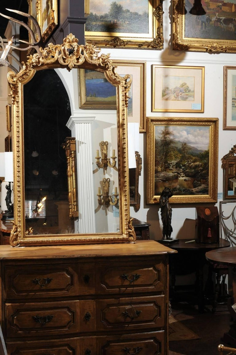 French Rococo Style Giltwood Mirror with Cartouche Carved Crest, 19th Century In Good Condition For Sale In Atlanta, GA