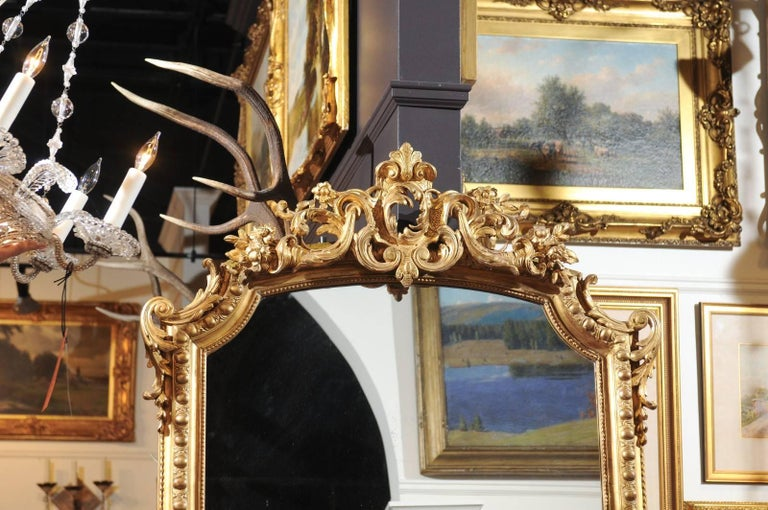 French Rococo Style Giltwood Mirror with Cartouche Carved Crest, 19th Century For Sale 1