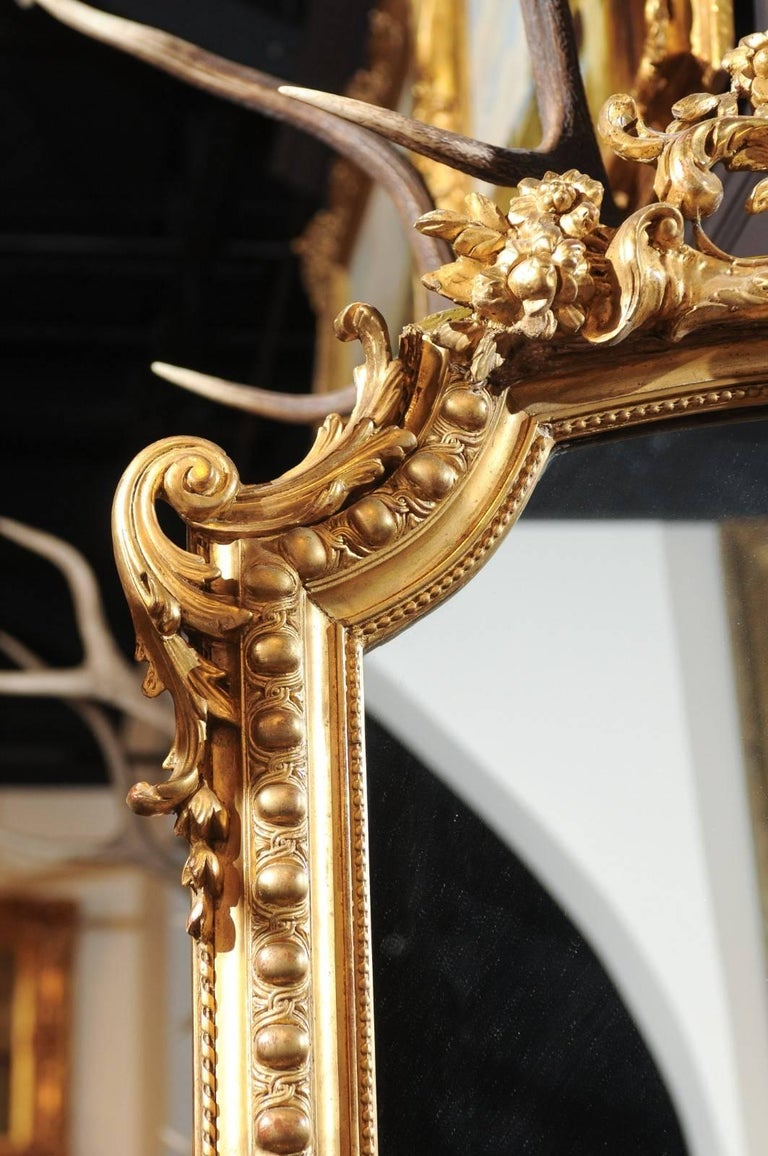 French Rococo Style Giltwood Mirror with Cartouche Carved Crest, 19th Century For Sale 4