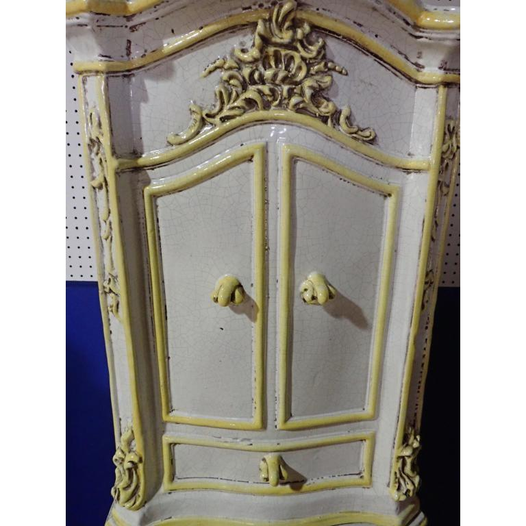 French Rococo Style Yellow and White Glazed Ceramic Kachelofen Stove   In Good Condition For Sale In Norwood, NJ