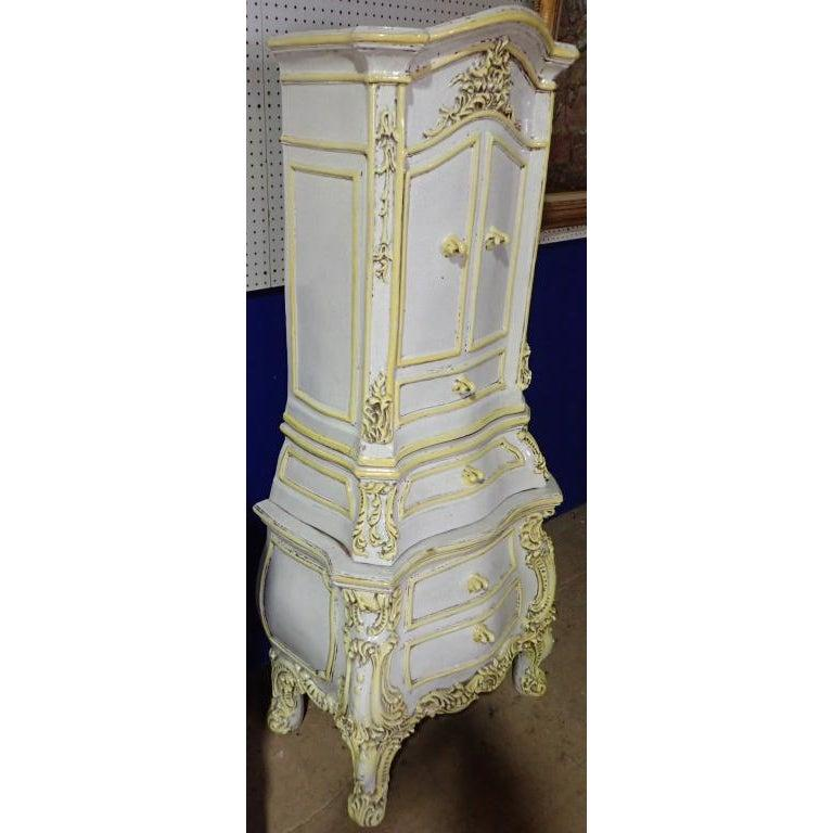 19th Century French Rococo Style Yellow and White Glazed Ceramic Kachelofen Stove   For Sale