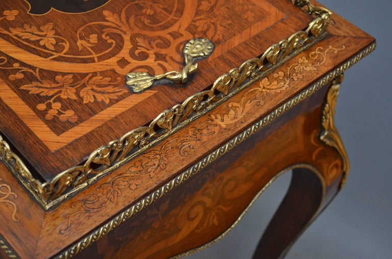 Mid-19th Century French Rosewood and Inlaid Jardinière Plant Stand For Sale