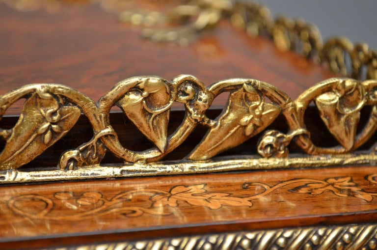 French Rosewood and Inlaid Jardinière Plant Stand For Sale 2