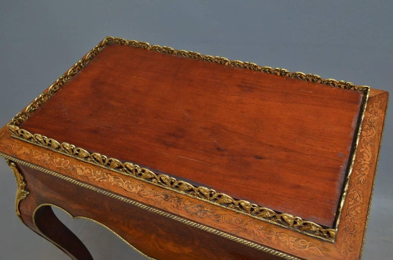 French Rosewood and Inlaid Jardinière Plant Stand For Sale 3