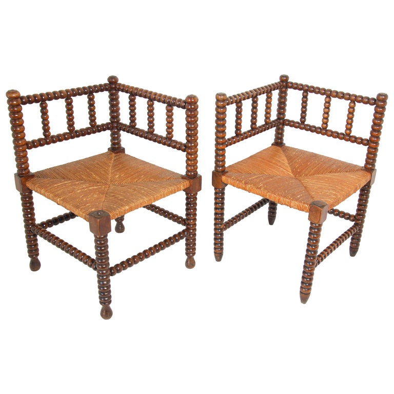 French Rush-Seat Corner Chairs in Turned Oak and Cane, France For Sale