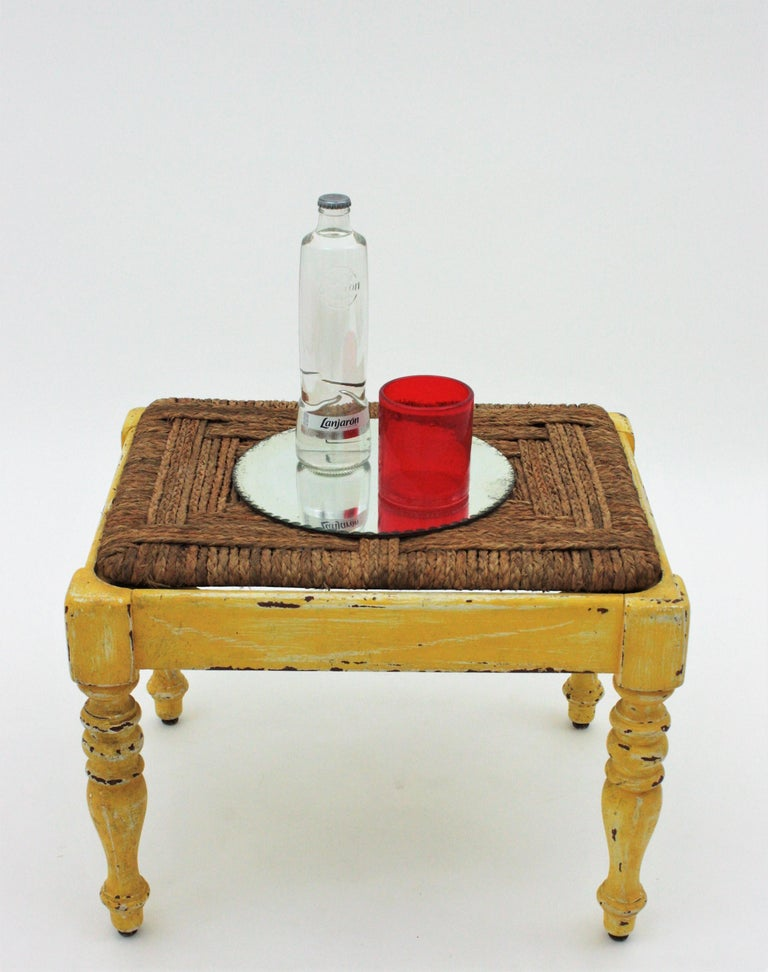 French Rustic Yellow Patinated Wood and Esparto Grass Stool, Bench or Ottoman In Good Condition For Sale In Barcelona, ES