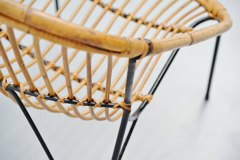 French Sculptural Rattan Lounge Chair, France, 1950 In Good Condition For Sale In Roosendaal, Noord Brabant