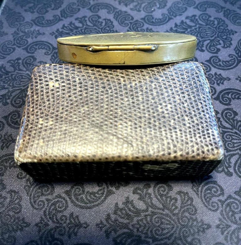 French Sculptured Gilt Bronze Box by Line Vautrin For Sale 2