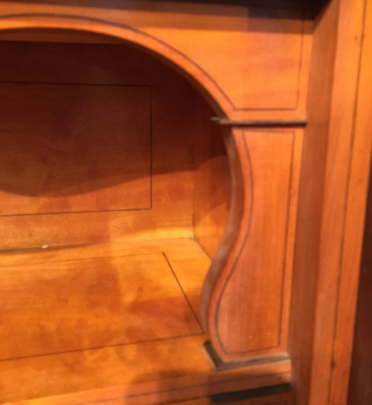 French Secretary Flame Mahogany with Marble Top, circa 1840 For Sale 3