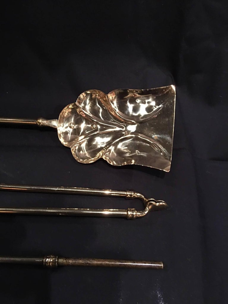 French Set of Three Polished Brass Fire Irons, 19th Century In Excellent Condition For Sale In Savannah, GA