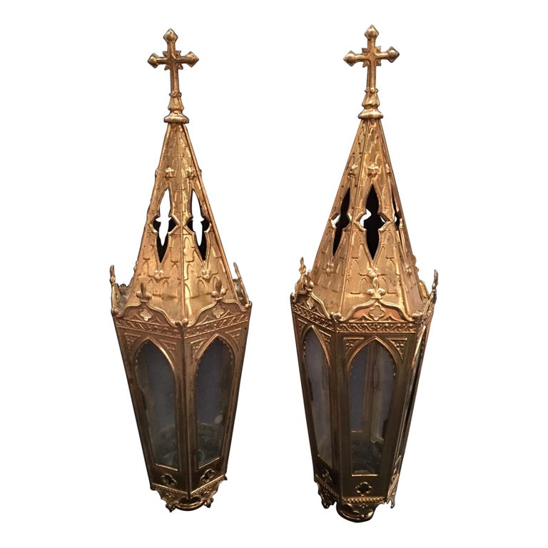 French Set of Two Polished Brass Pole Lanterns or Candlesticks, 19th Century For Sale