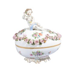 French Sèvres 19th Century Porcelain Egg with Putto and Garland of Pink Roses