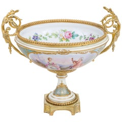 French Sèvres Gilt-Bronze Mount 'Ormolu' Porcelain Centrepiece, circa 1771