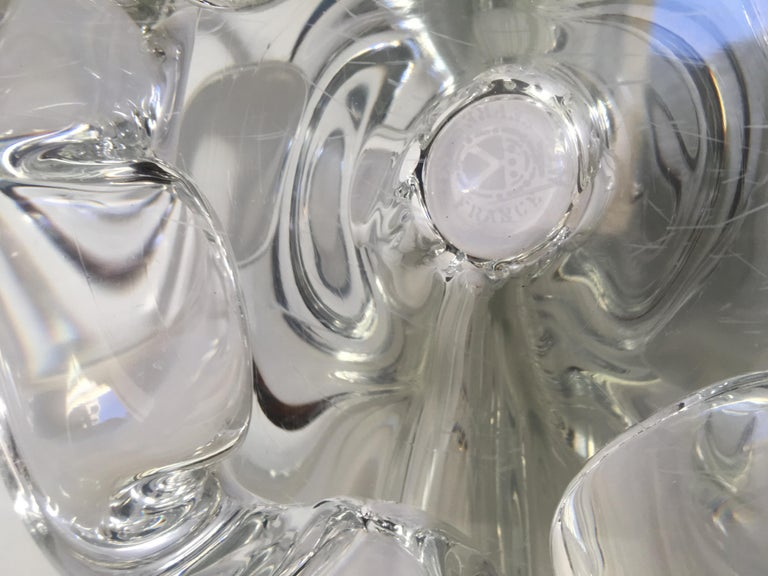Sevres French Clear Crystal Sculptural Art Glass Centerpiece, Signed  In Good Condition For Sale In Arles, FR