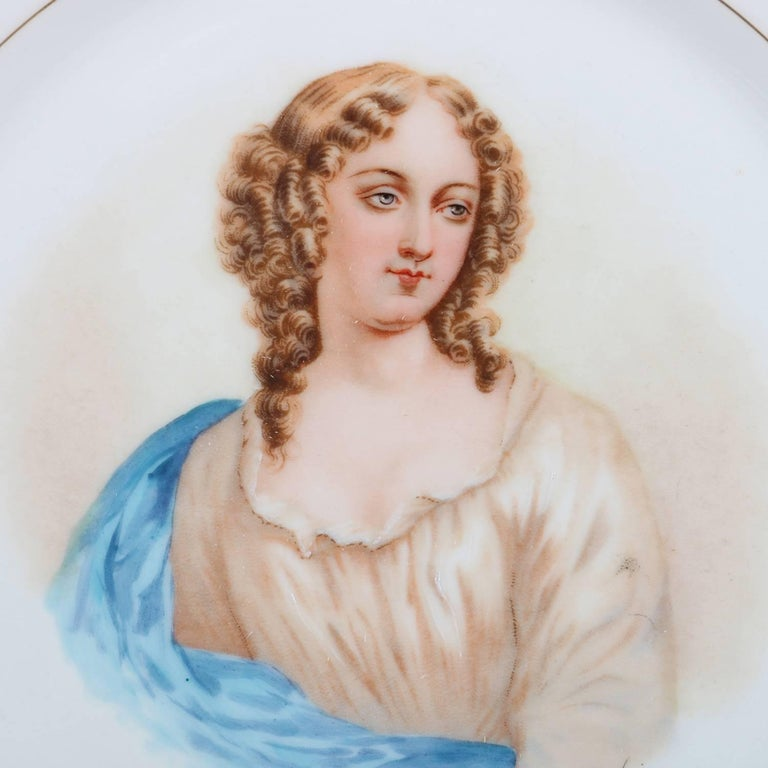 French Sevres Painted and Gilt Portrait Plate Madame de Pavalliere, 19th Century In Good Condition For Sale In Big Flats, NY