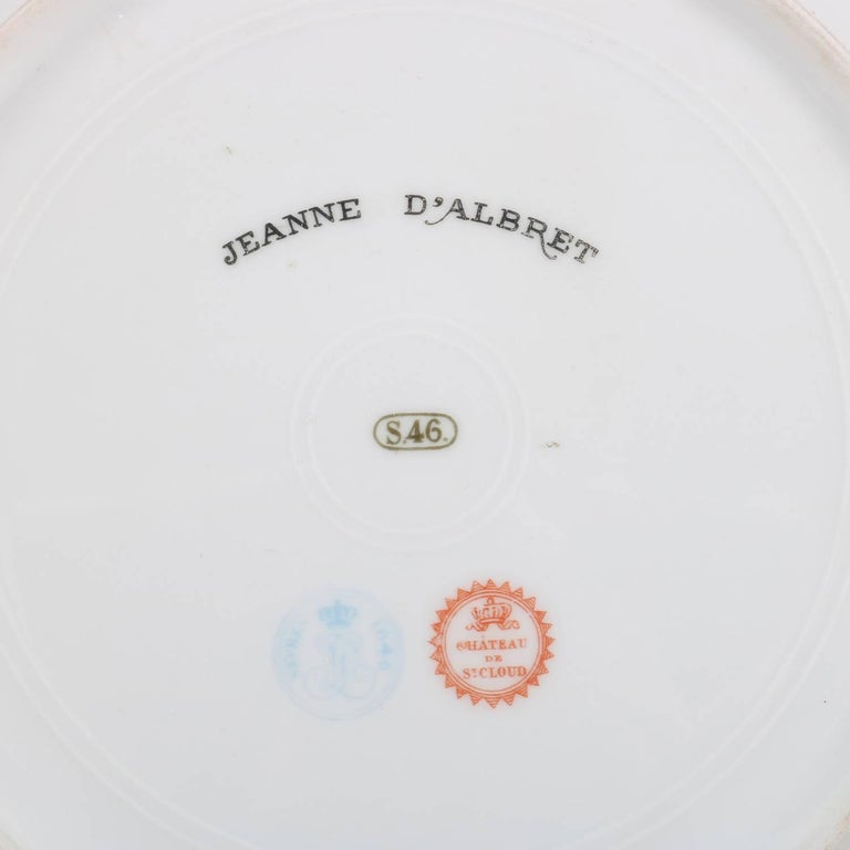 French Sevres Painted and Gilt Portrait Plate of Jeanne D'Albret, 19th Century For Sale 1