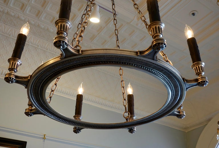 French Silvered-Bronze Neoclassical Chandelier For Sale 2