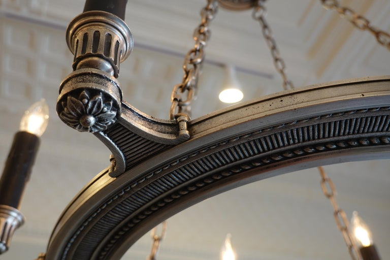 French Silvered-Bronze Neoclassical Chandelier For Sale 4