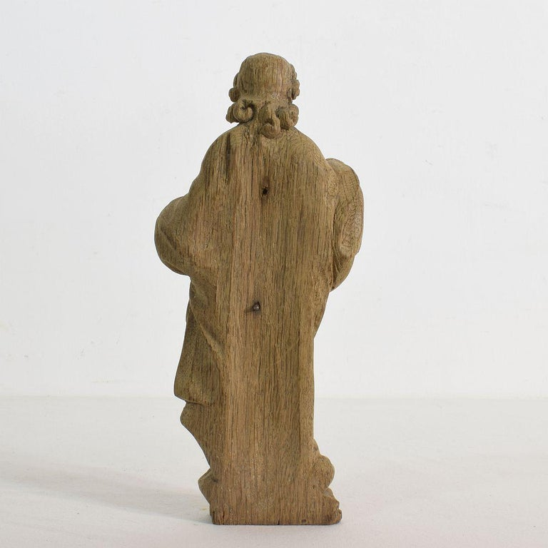 French Small 18th Century Weathered Oak Saint Statue In Good Condition For Sale In Amsterdam, NL