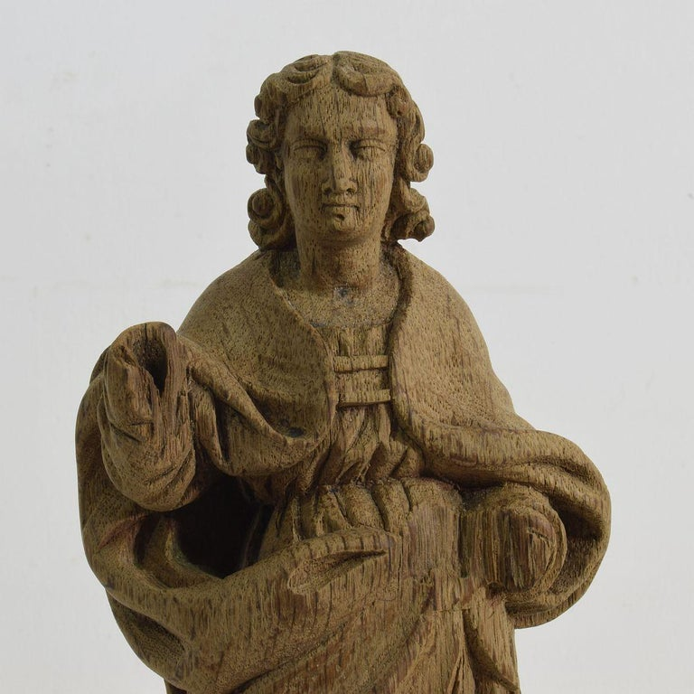 French Small 18th Century Weathered Oak Saint Statue For Sale 1