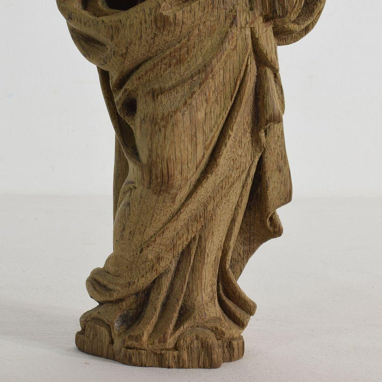 French Small 18th Century Weathered Oak Saint Statue For Sale 2