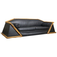 French Sofa in Art Deco Style of the 20th Century in Leather and Wood