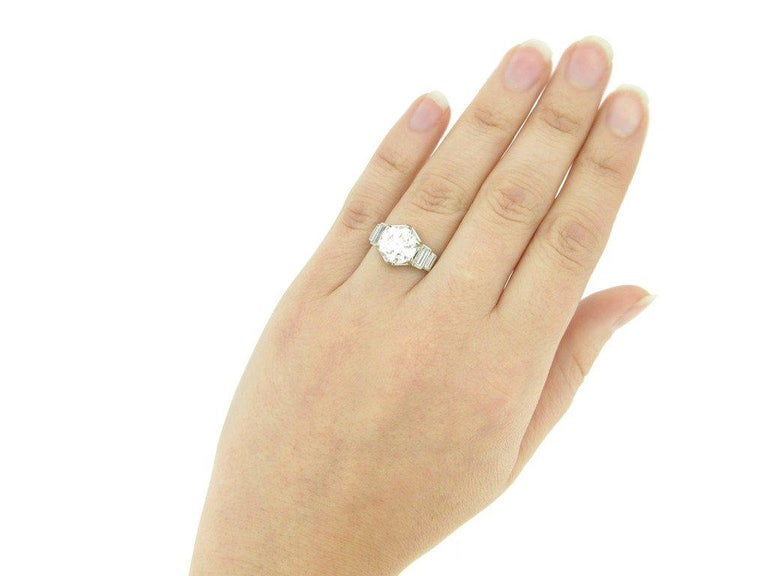 French Solitaire Diamond Engagement Ring with Diamond Set Shoulders For Sale 1