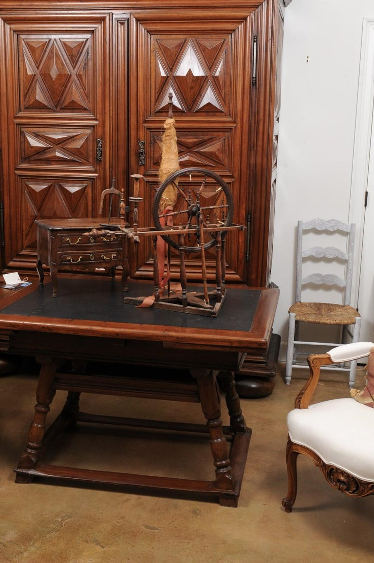 Turned Rustic French Spinning Wheel with Original Parts from the 18th Century For Sale