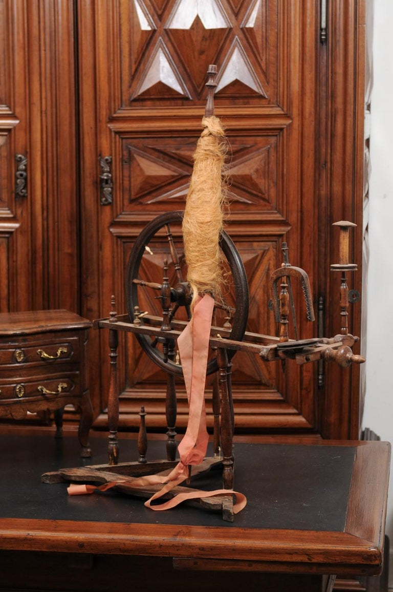 Rustic French Spinning Wheel with Original Parts from the 18th Century For Sale 3