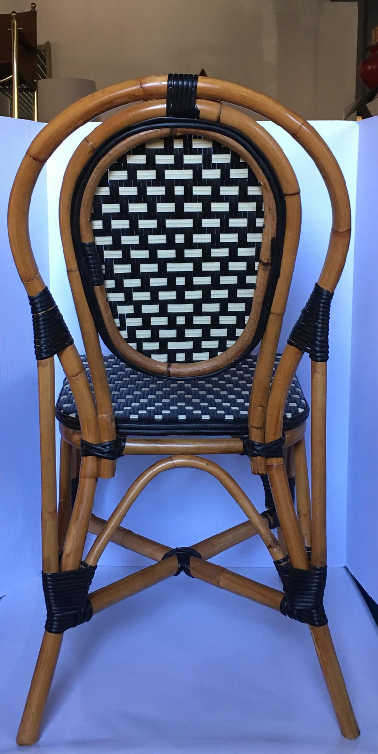 French Style Parisian Cafe Bistro Rattan Dining Chair In Good Condition In Lambertville, NJ