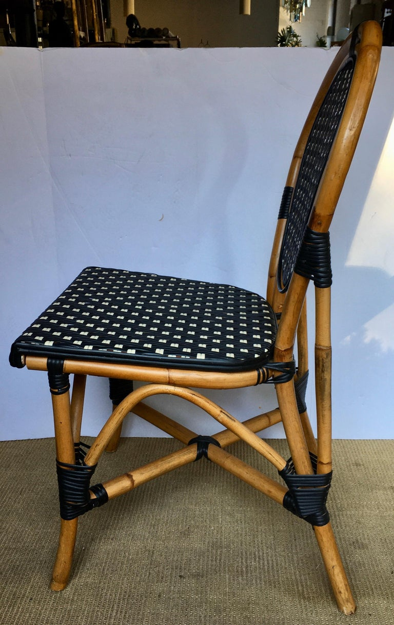 French Style Parisian Cafe Bistro Rattan Dining Chair In Good Condition For Sale In Lambertville, NJ