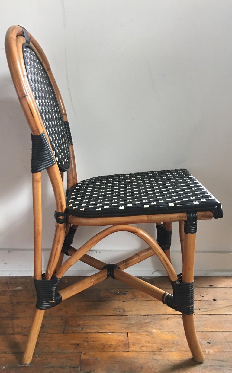 French Style Parisian Cafe Bistro Rattan Dining Chairs In Good Condition For Sale In Lambertville, NJ