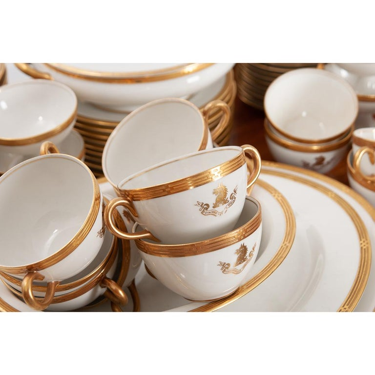 Porcelain French Syracuse China 132-Piece Parcel Dinner Service For Sale