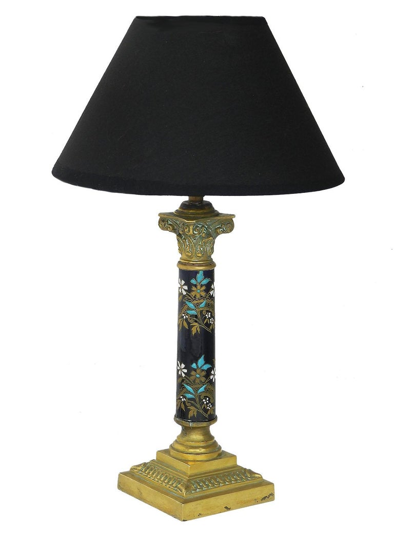 French Table Lamp Enamel and Bronze Corinthian Column, circa 1900 In Good Condition For Sale In , FR