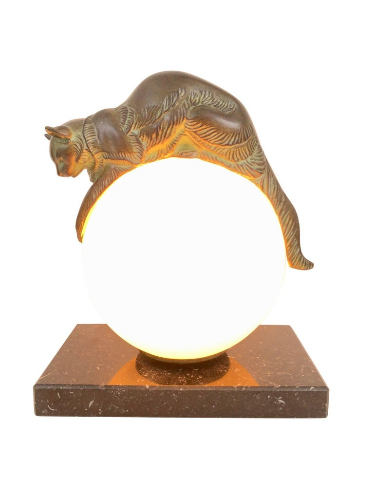 French Table Lamp Equilibre a Cat on a Glass Ball by Gaillard for Max Le Verrier For Sale 2