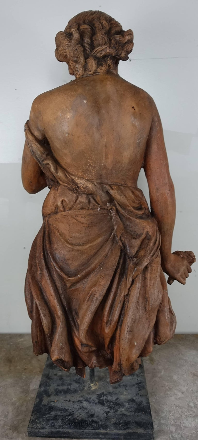 French Terracotta Figure of a Woman In Excellent Condition For Sale In Los Angeles, CA