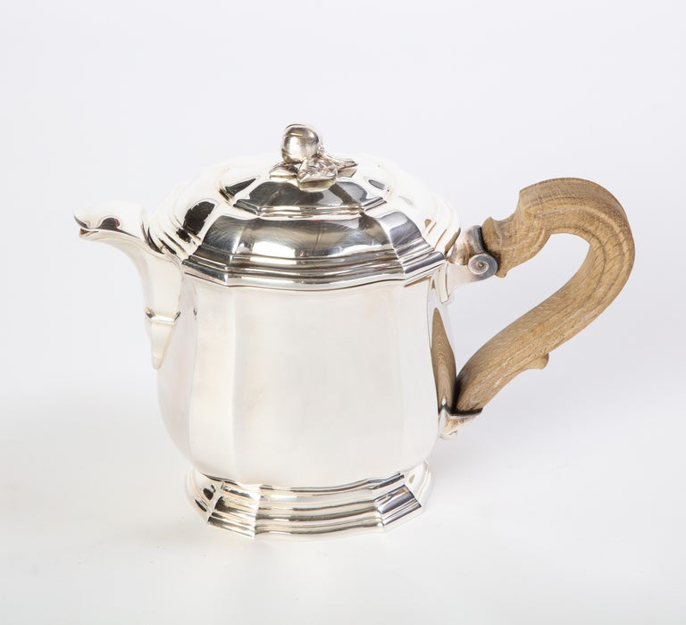French Three-Piece Tea and Coffee Set in Silver, Mark of Tiffany & Co., New York For Sale 10