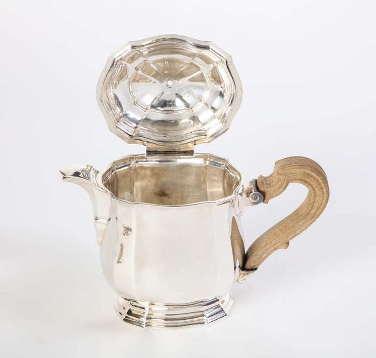 French Three-Piece Tea and Coffee Set in Silver, Mark of Tiffany & Co., New York For Sale 11
