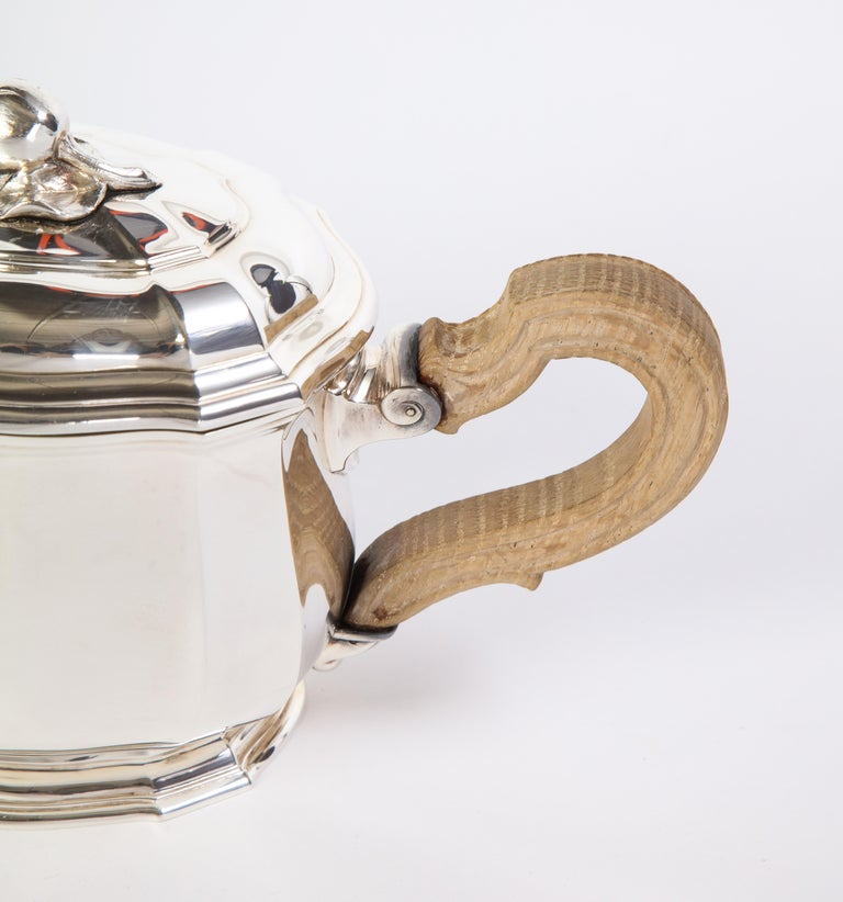 French Three-Piece Tea and Coffee Set in Silver, Mark of Tiffany & Co., New York For Sale 7