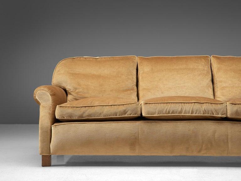 French Three-Seat Sofa in Beige Velvet In Good Condition In Waalwijk, NL