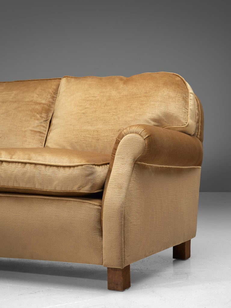 French Three-Seat Sofa in Beige Velvet 3