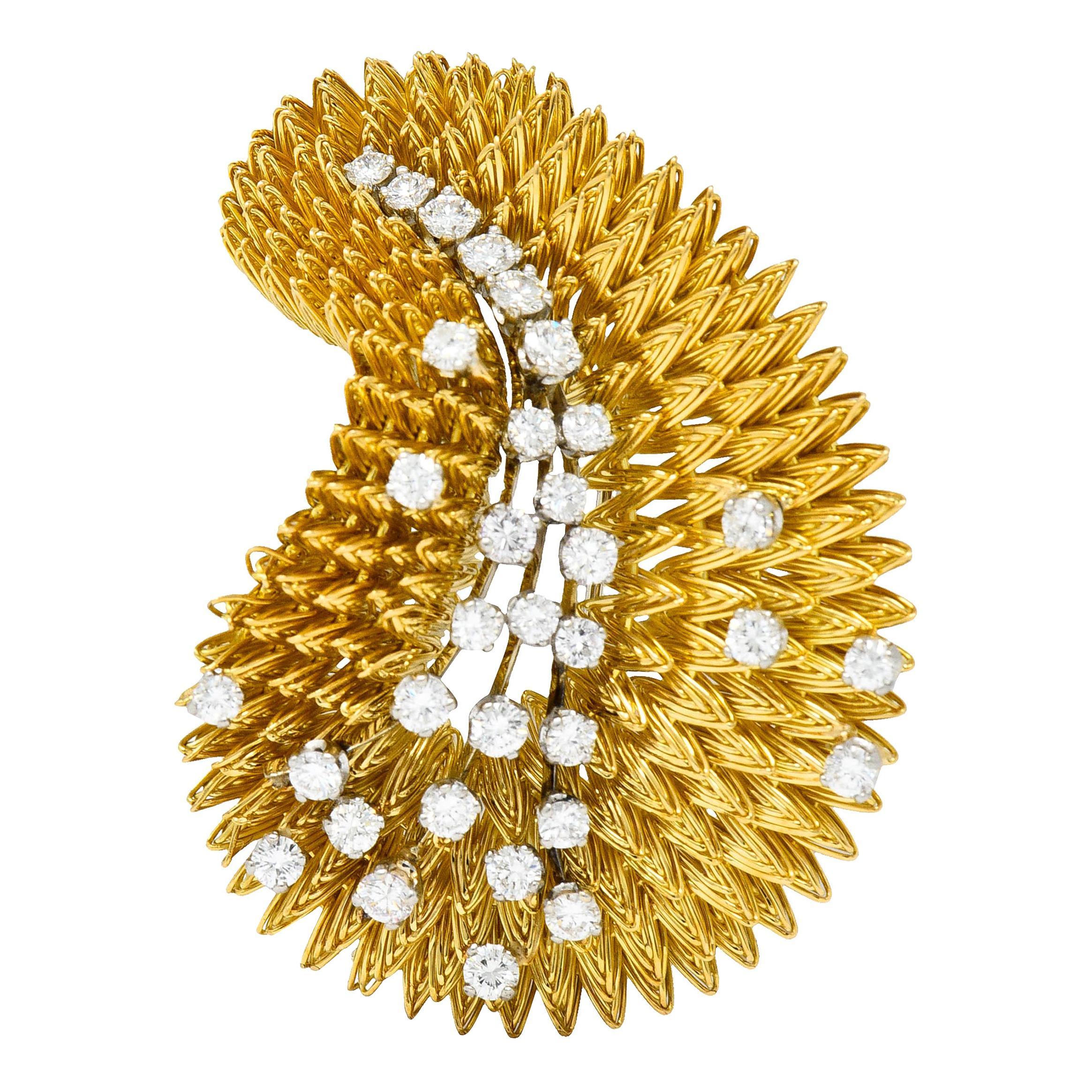 French Tiffany & Co. 1.60 Carats Diamond 18 Karat Gold Vintage Burst Brooch