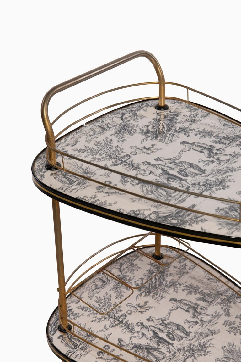 20th century French toile de Jouie bar cart, 1960, metal and formica toile de jouie decor. Good conditions.