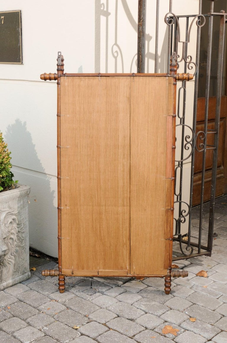 French Turn of the Century Faux Bamboo Walnut Mirror with Protruding Corners For Sale 5