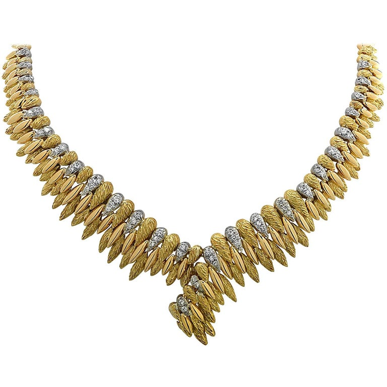 French V-Shaped Diamond Necklace For Sale